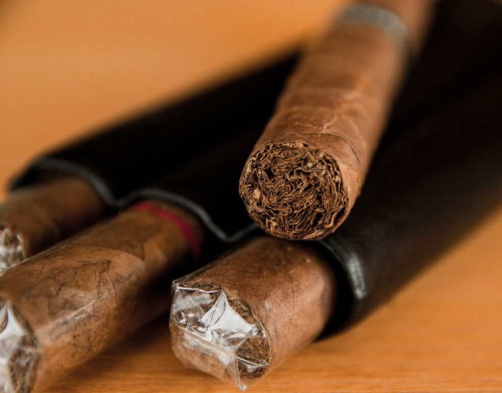 cigar pack, cigars, cigar origin